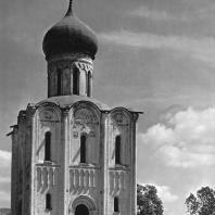 Церковь Покрова на Нерли. Западный фасад