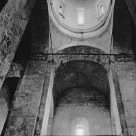 Церковь Покрова на Нерли. Интерьер. Вид с востока