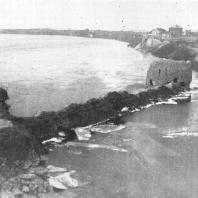 Псков. Вид с Кремля на устье реки Псковы (до реставрации)