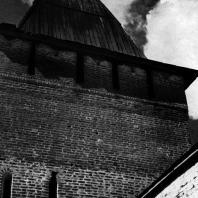 Пафнутьев-Боровский монастырь (Калужская обл.). Фрагмент Входной башни. 1535 г. Фото В. В. Косточкина