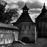 Вологда. Спасо-Прилуцкий монастырь. Башни юго-западной стены. 1656 г. Фото А. А. Александрова