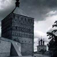 Суздаль (Владимирская обл.). Спасо-Евфимиевский монастырь. Проезжая башня. 1664 г. Фото А. А. Александрова