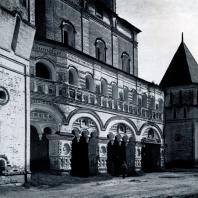 Борисоглебский монастырь (Ярославская обл.). Южные ворота. Конец XVII в. Фото А. А. Александрова