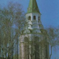 Распятская церковь-колокольня. Александров, XVI в.