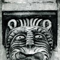 Владимир на Клязьме. Успенский собор. Маска в основании колонны аркатурного пояса. 1158-1161