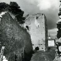 Изборск. Крепостные сооружения. Начало XIV в.
