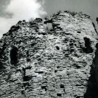 Изборск. Крепостная башня. Фрагмент. Начало XIV в.