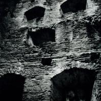 Изборск. Крепостная башня. Внутренний вид. Начало XIV в.
