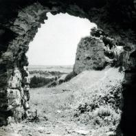 Изборск. Фрагмент крепостной стены. Начало XIV в.