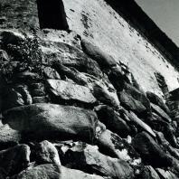 Соловецкий монастырь. Крепостная стена со стороны Святого озера. Фрагмент. XV в.