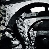 Соловецкий монастырь. Противораспорные арки в восточной части крепостных укреплений