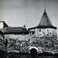 Соловецкий монастырь. Поваренная башня