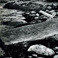 Могильная плита на берегу Белого моря