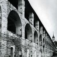 Кирилло-Белозерский монастырь. «Новый город». Оборонительная стена со стороны двора. Фрагмент
