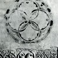 Ферапонтов монастырь. Собор Рождества Богородицы. 1490. Декоративная обработка стены притвора (фрески и рельеф)