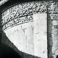 Звенигород. Саввино-Сторожевский монастырь. Рождественский собор. Орнаментальный фриз на абсиде. 1405