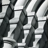 Москва. Спасо-Андроников монастырь. Фрагмент портала Спасского собора. 1410-1427