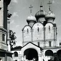 Москва. Ново-Девичий монастырь. Смоленский собор. Вид с западной стороны. 1524-1525