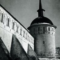 Александров. Успенский монастырь. Башня