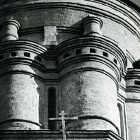 Дьяково. Церковь Иоанна Предтечи. Барабан купола. Фрагмент. 1547