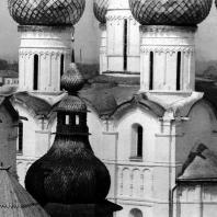 Ростов Великий. Кремль. Успенский собор. Купола