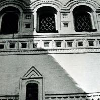Ростов Великий. Церковь Воскресения. Галерея. Фрагмент