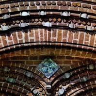 Ярославль. Церковь Иоанна Предтечи в Толчкове. Фрагмент арки входа. 1671-1687